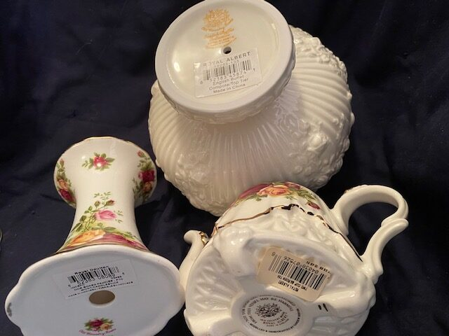 Royal Albert Old Country Roses china pieces
