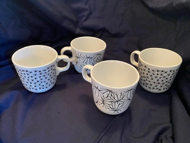 tea/coffee cups