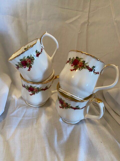 4 Royal Albert Old Country Rose Christmas mugs